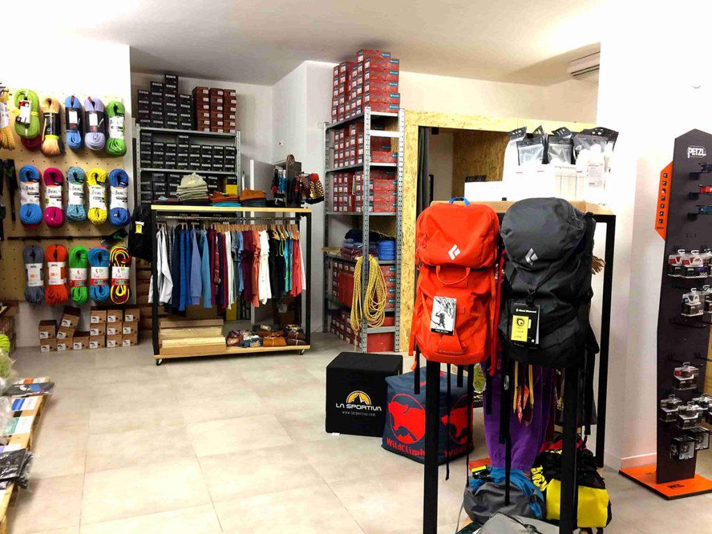 Il negozio di arrampicata Oliunìd Shop Padova in via Sacro Cuore 42